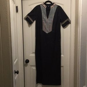 WOMENS LARGE BLACK BEACH DRESS WITH SLIT ON SIDE